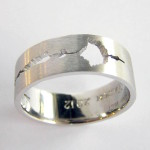 Hand-made Gents 18ct White Gold Wedding Band 7.5mm wide x 1.5mm thick with a cut out of sound wave form.